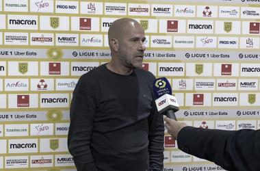 Peter Bosz destaca trabalho coletivo do Lyon para alcançar primeira vitória na Ligue 1