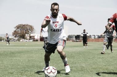 PH é outro atleta que pode deixar o Vila Nova em 2018. (Foto: Divulgação/Vila Nova F.C)