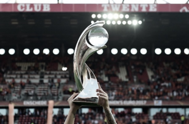 "Women's UEFA Euro Championship trophy. (Photo credit Tobias Schwarz/AFP/Getty Images)<br class=""Apple-interchange-newline"">"