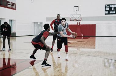 LaVine en pleno entrenamiento con su equipo. Foto: Chicago Bulls