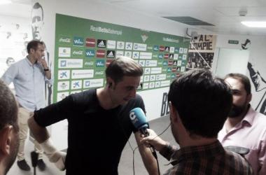 """Joaquín: """"Ha sido una actitud extraordinaria, el equipo ha salido a ganar el partido"""""""