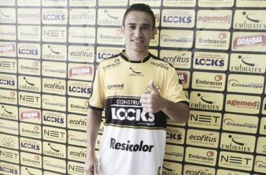 Pimentinha foi o segundo reforço apresentado oficialmente pelo Tigre   Foto: Fernando Ribeiro/Criciúma E.C.