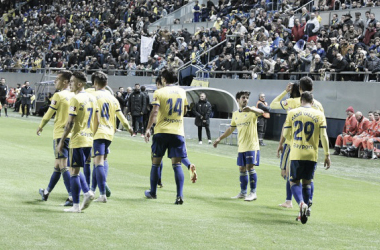 Los jugadores celebran un gol. Fuente: cádizcf.com