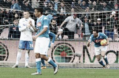Higuaín festejando su gol (Foto: Reuters).