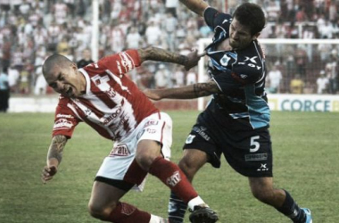 """José Luis """"Pipi"""" García no podrá jugar por lesión, en su lugar estará por segundo partido consecutivo el juvenil Mateo García. (Foto: Télam)"""