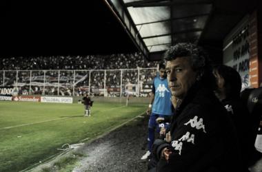 Pipo Gorosito se volverá a sentar en el banco local del Coliseo tras seis años (Foto: Fotobaires).