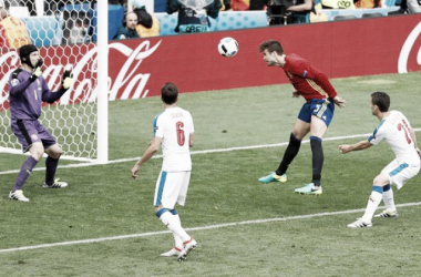 Spain 1 Czech Republic 0: Late Pique header saves holder's blushes in opening game | Photo: Vincent Kessler/Reuters