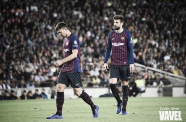 Imagen de archivo. Los centrales del Barcelona en un encuentro disputado en el Camp Nou | Foto: Noelia Déniz - VAVEL