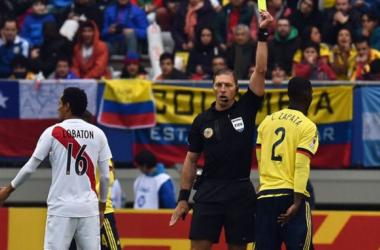 Pitana ya arbitró dos encuentroes entre peruanos y colombiano.
