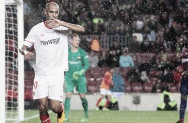 Pizarro celebrando un gol. Foto: Sevilla FC