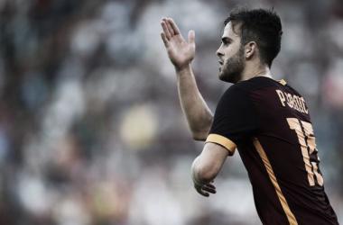 Destaque da Roma nas cobranças de falta, Pjanic revela ter Juninho Pernambucano como mentor