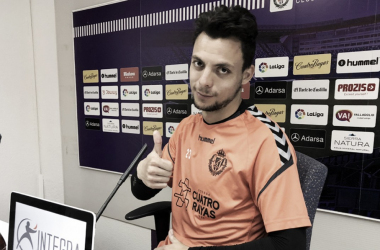 Óscar Plano en sala de prensa   Real Valladolid