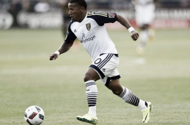 Joao Plata dribbles forward during the second half of a July 31, 2016 matchup between Real Salt Lake and the Philadelphia Union.   Photo via AP Photo/Michael Perez