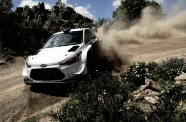 Toyota de test pre-Cerdeña | Foto: www.rallyitaliasardegna.com