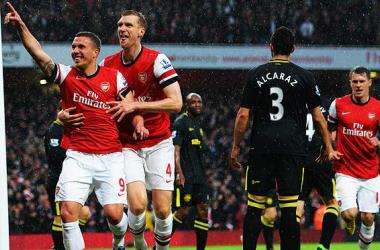 Un Arsenal eficaz entierra al Wigan