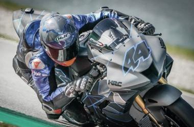 Pol Espargaró rodando con la Honda. Fuentes: redes sociales del piloto.