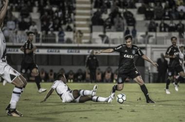 Com São Januário lotado, Vasco recebe Ponte Preta por classificação para Libertadores