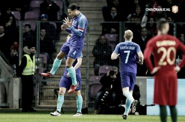 Capitão, Virgil van Dijk, fez o terceiro da partida (Foto: Divulgação/Ons Oranje/KNVB)