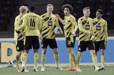 Goleada del Borussia Dortmund en Berlín y debut histórico