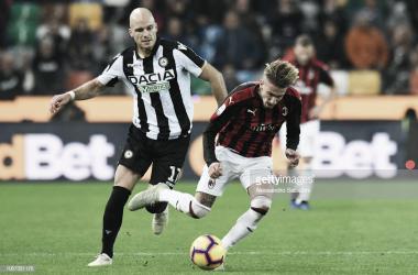 El Milan salva los tres puntos en el descuento ante un Udinese algo tímido