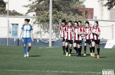 El Athletic Club celebrando el gol de Nekane. | Foto: Javi Muñoz (VAVEL)