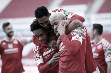 Mainz 05 supera a SC Freiburg y respira un poco