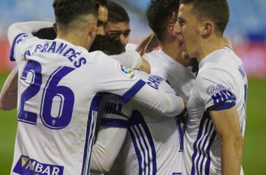 El Real Zaragoza celebrando su triunfo ante el CD Lugo (1-0). Foto: Real Zaragoza