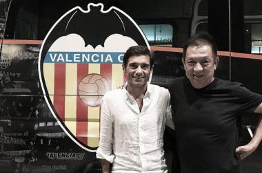 Marcelino y Peter Lim en el encuentro que tuvieron en Singapur   Fotografía: Valencia CF