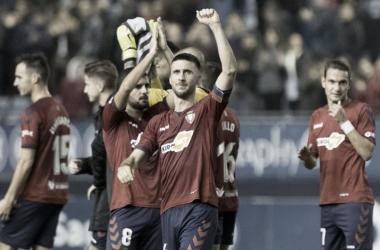 El equipo celebra el triunfo conseguido en casa frente al Cádiz. Osasuna.com