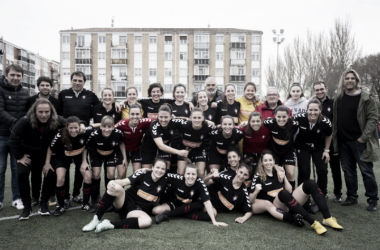 Osasuna Femenino celebra su ascenso a Primera B. Foto tomada por osasuna.es