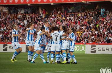 Las jugadoras de la Real Sociedad celebran un gol marcado en la final. / FOTO: VAVEL / Javi Muñoz