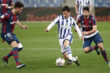 Silva protagonizo varias de las ocasiones claras de los txuriurdines. Vía: Real Sociedad en Twitter.