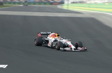 Red Bull lucirá de blanco en honor a Honda durante el GP de Turquía. Vía: F1 en Twitter.