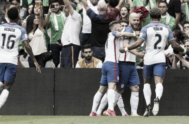 El Team USA sale con vida del Estadio Azteca // @ussoccer