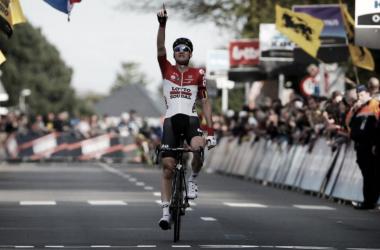 Tims Wellens dedicó el triunfo a Goolaerts / Fuente: @debrabanstepijl