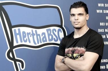 Karim Rekik llega para reforzar al Hertha de Berlín