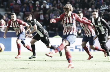 Griezmann de penalti,enlazó su quinto partido consecutivo marcando. Fuente: Atlético de Madrid