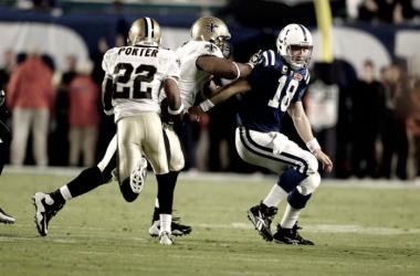 Este es el momento en que Porter interceptaba a Manning y daba la Super Bowl a los Saints. | Foto: NFL