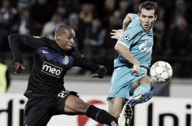 Lance do jogo entre o Porto e o Zenit. Foto: porta19.com
