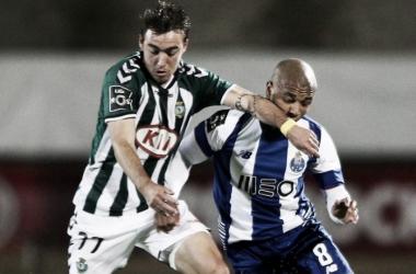 V. Setúbal x FC Porto: a ferro e a chuva (Foto: Lusa)