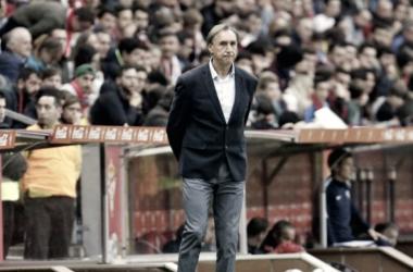 Miguel Ángel Portugal durante el partido en El Molinón | Foto: La Liga