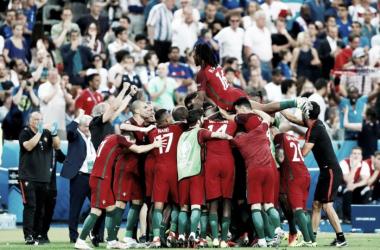 Das Team feiert: Portugal ist Europameister! | Quelle: UEFA EURO