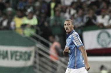 Palmeiras supera Cruzeiro em jogo equilibrado e defende vantagem do empate na volta