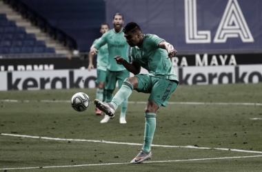 Real Madrid bate Espanyol com placar magro e assume liderança de LaLiga