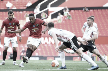 Martial faz hat-trick, Manchester United domina e vence Sheffield United