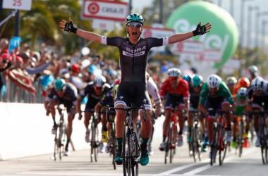 Lukas Postlberger s'impose sur la première étape du Giro.