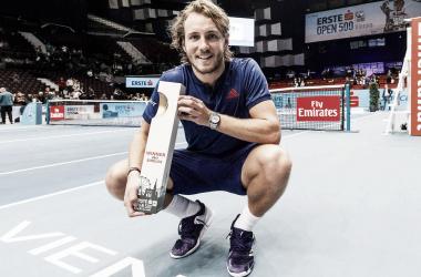 Pouille posa con el título de campeón el año pasado. Foto: ATP World Tour.