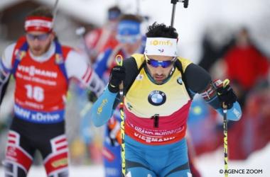 Martin Fourcade réalise le doublé, sprint + poursuite à Oberhof. (Twitter: @SportsDefense)
