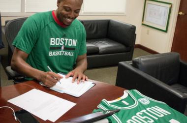 Les Celtics signent Paul Pierce et offrent la plus belles des sorties à The Truth