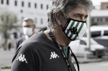 Manuel Pellegrini en las inmediaciones del Benito Villamarín antes de un encuentro.Foto: LaLiga Santander.